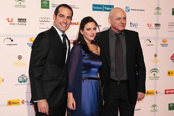 Ruth Núñez entrega un premio en el Festival de Cine Iberoamericano de Huelva