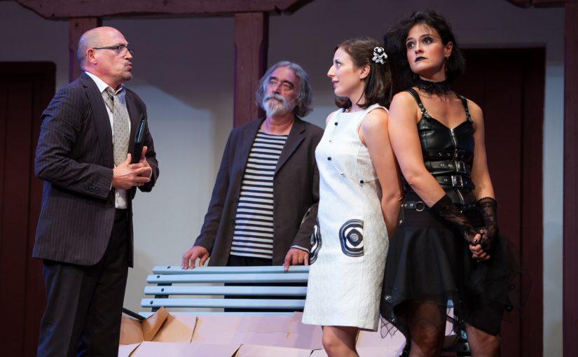 Ruth Núñez en la obra «De fuera vendrá»